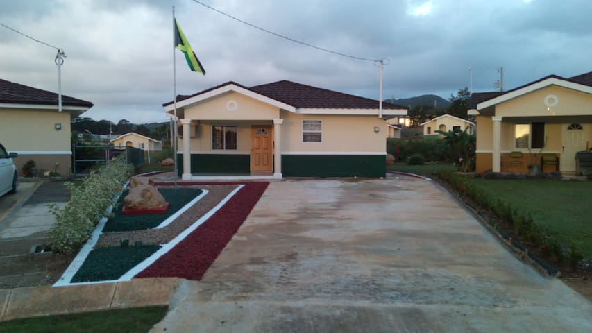 Jamaica Vacation The Embassy Houses For Rent In