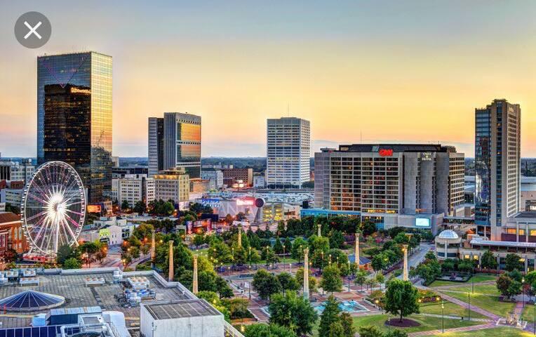 Cozy Super Spot heart of downtown Atlanta