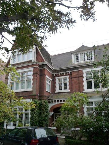 Charming top flat in Victorian House, North London - Londres - Departamento