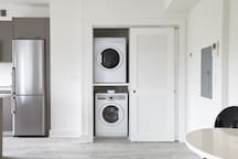 Sonder | Callisto | Chic 1BR + Laundry