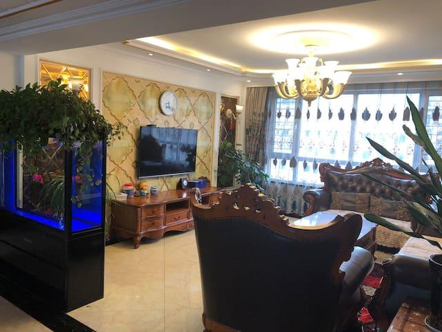 越层空中别墅欧式风情屋