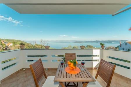 """Holiday house """"Mareta"""" with sea view-Dugi Otok - Savar - Hus"""