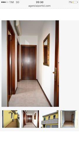 Stanza comoda per due persone - Pontelongo - Apartamento