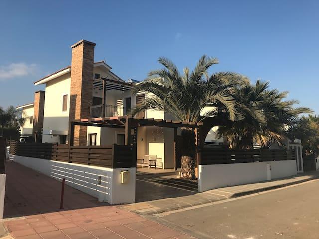 Olivia's Villa - Agia Napa - Villa