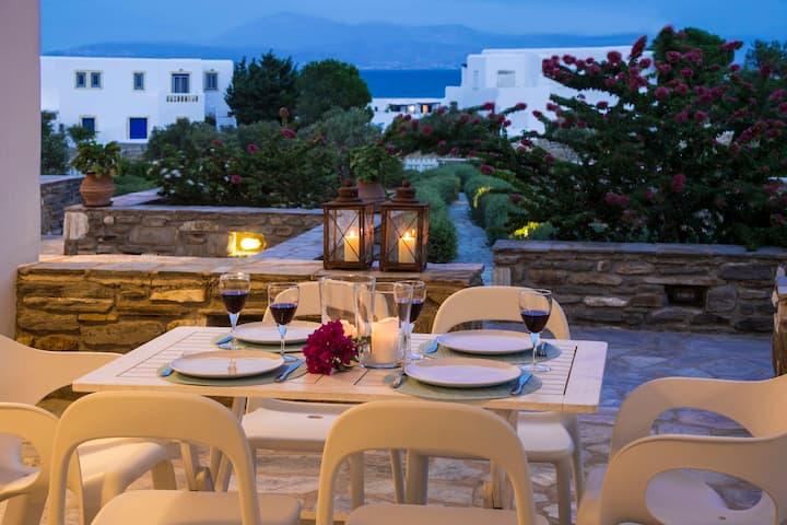 Iris - Modern villa near the sea