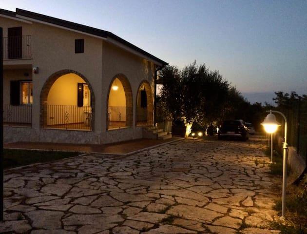 Villetta in Campagna tra Mare & Collina.