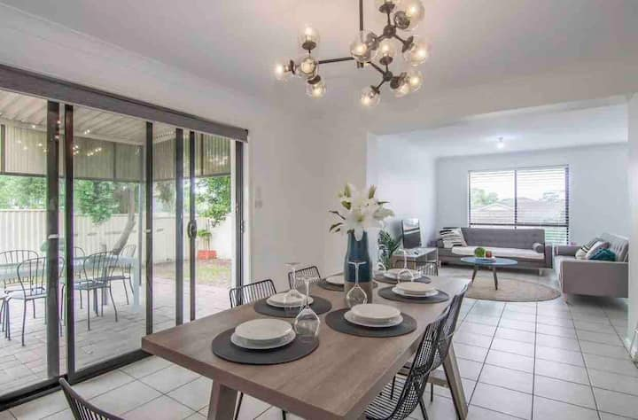 South West Sydney Lux family and work stays