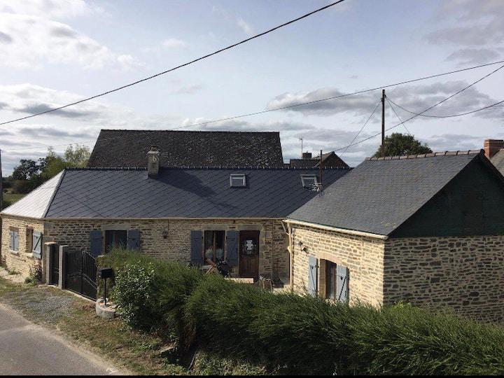 Jolie maison de campagne au cœur de la Mayenne