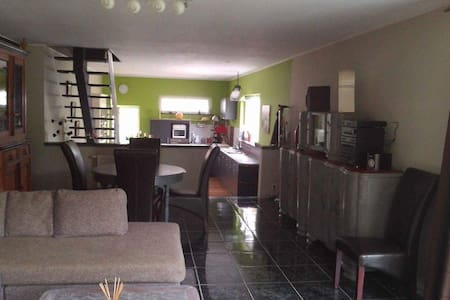 House - 7 km from the beach - Philippeville