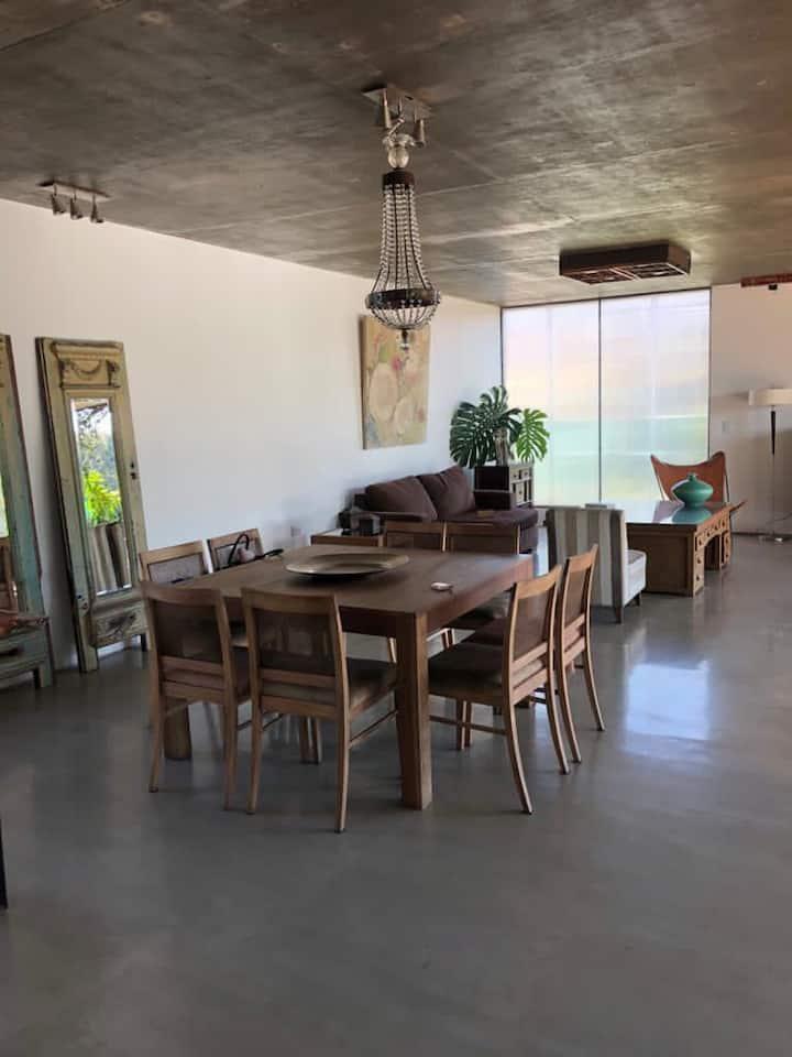 Casa cómoda , moderna , cálida