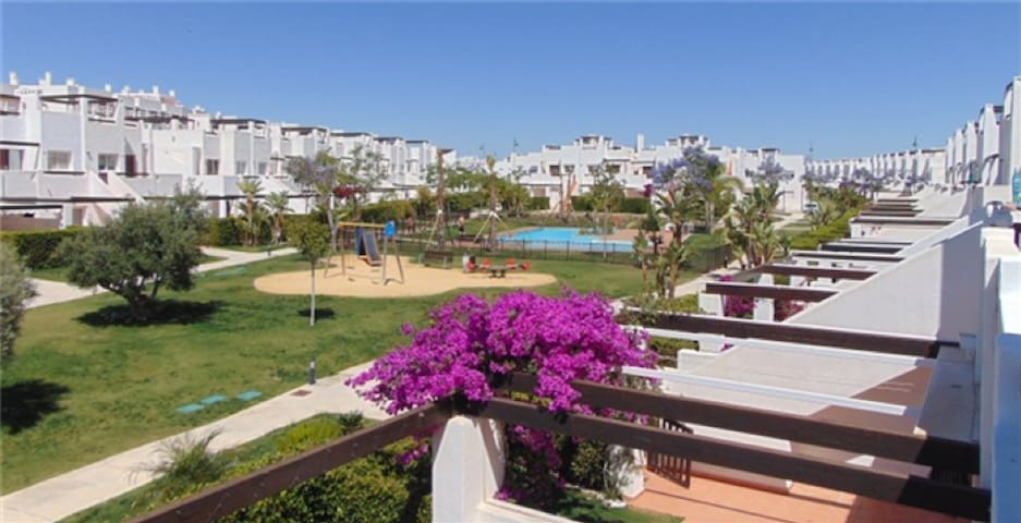 Beautiful 3 bedroom apartment with FREE WIFI