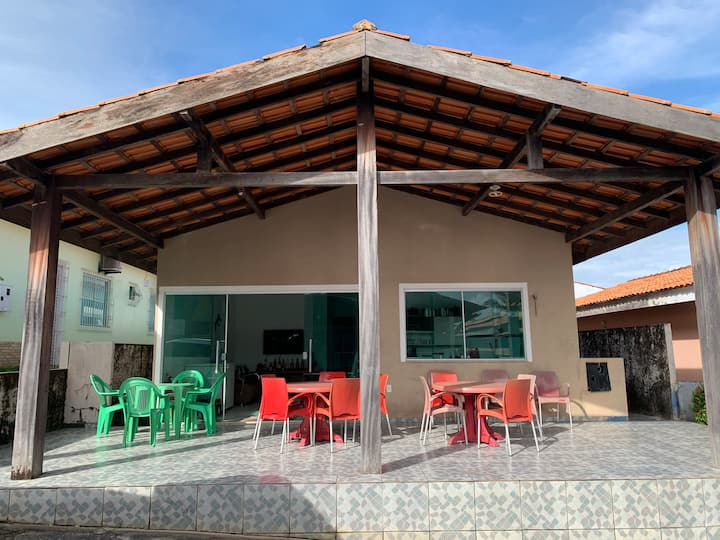 Casa em Salinas na praia do Atalaia cond fechado.