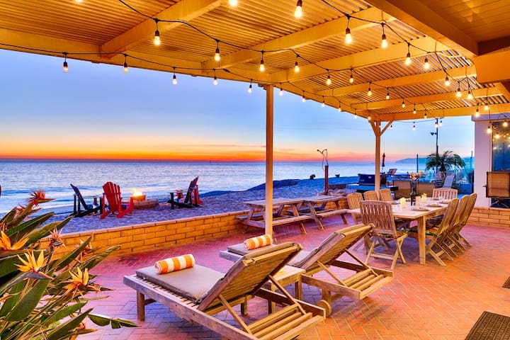20% OFF NOV- Beachfront Home, Stellar Deck, Sweeping Views+Perfect for Family