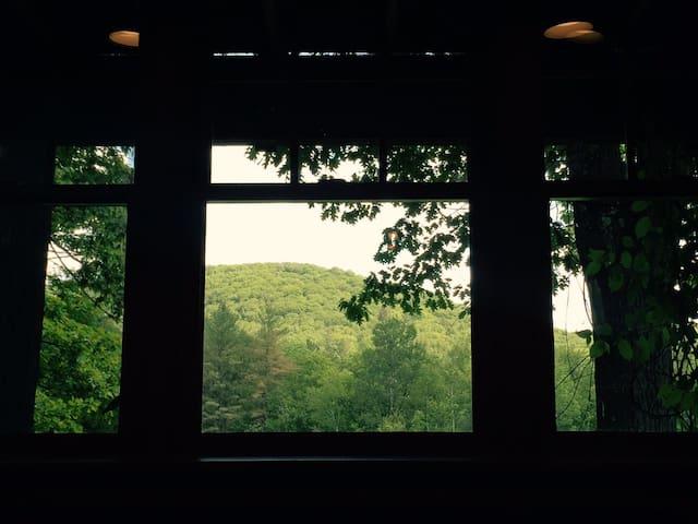 Wake up to Mountain views in a Vermont studio Apt. - Baltimore - Casa