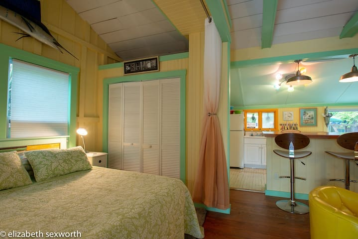 Queen bed and closet for your stuff