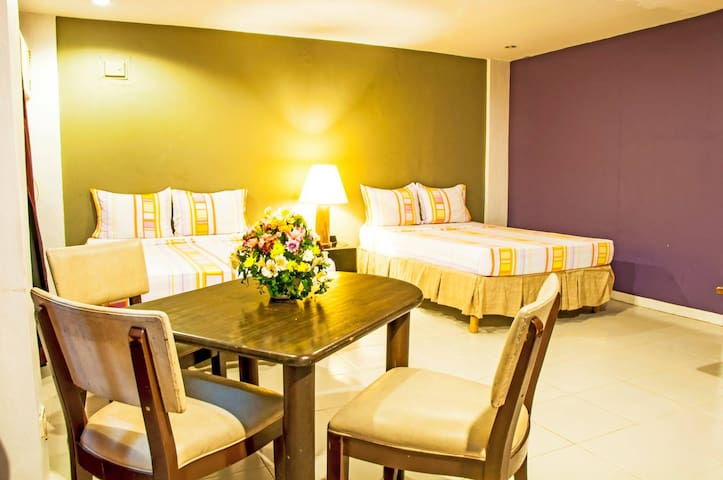 The Villa Khristalene Resort - Standard Room - Talisay - Villa
