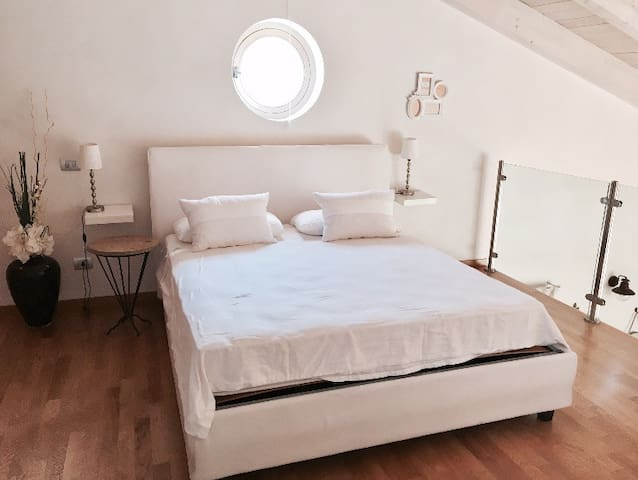 Romantic ChabbyChic Apartment Milano Navigli - Milano - House