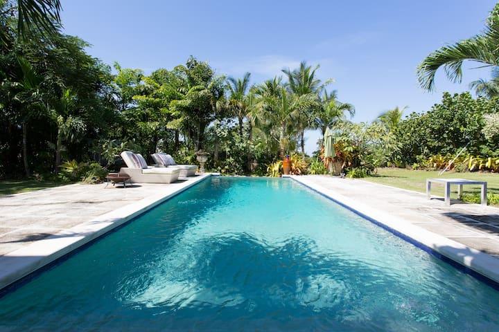 Elegant Island Living - Nassau - Hus