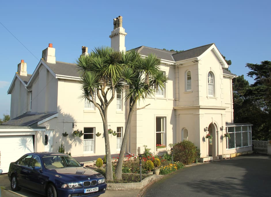 A beautiful well kept building in a sought after area of Torquay