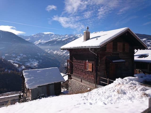 Magnifique Mazot Valaisan - Chalet de Vacances - Mase - Chatka w górach