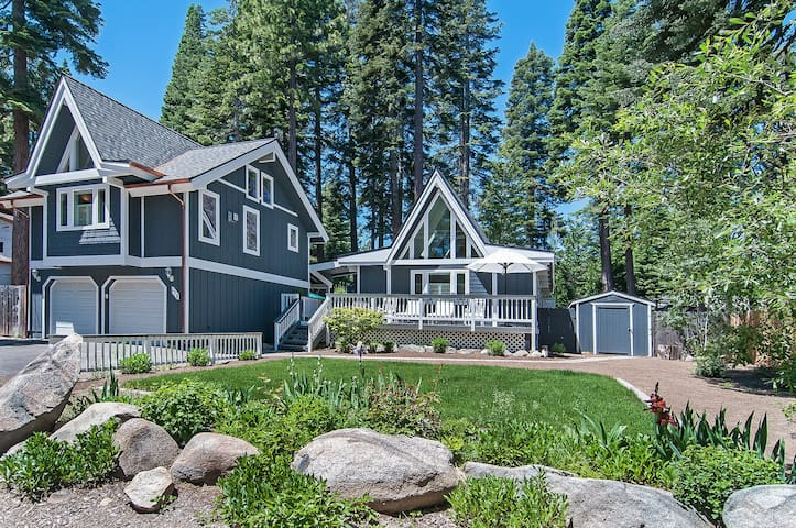 Tahoe City Chalet- walk to town, trails and lake