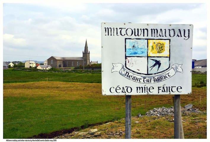 Miltown Malbay says Céad Míle Fáilte