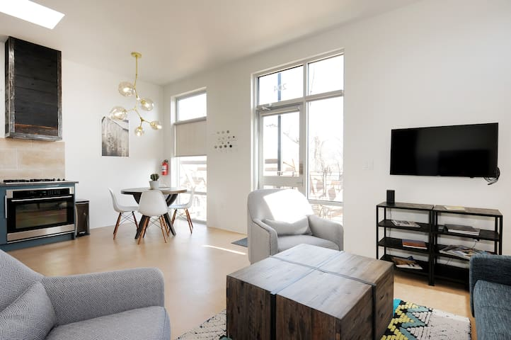 New, Modern Baca Railyard apartment (204)