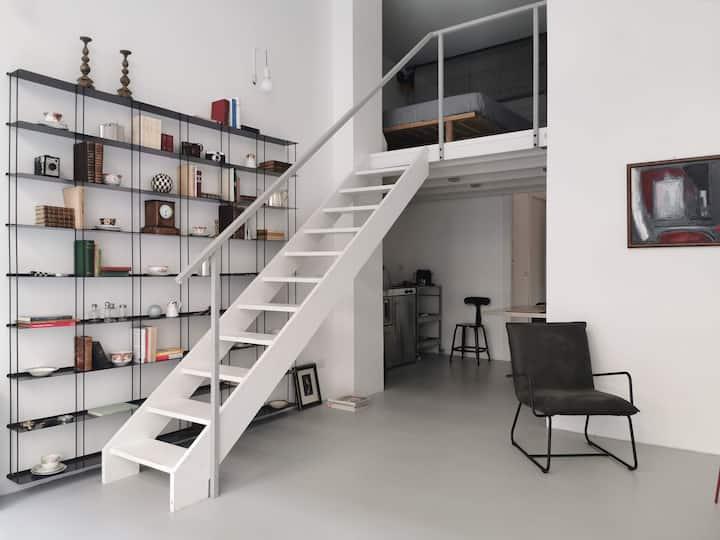 Loft  Design  &  Vintage
