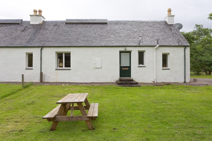 Peaceful, comfortable, well-appointed cottage - Lochcarron - Casa