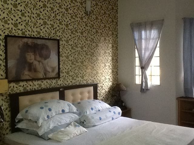 Comfy master bedroom near 1 Utama Shopping Centre - Petaling Jaya - Rumah