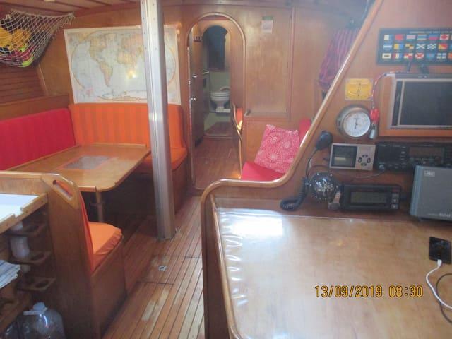 Disfruta la experiencia de dormir en un velero!!!