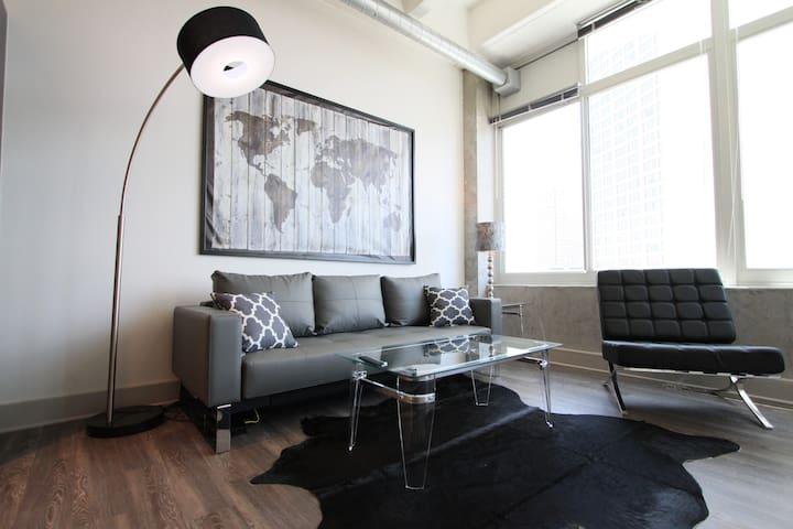 Luxury 2 Bedroom Condo in Downtown Atlanta