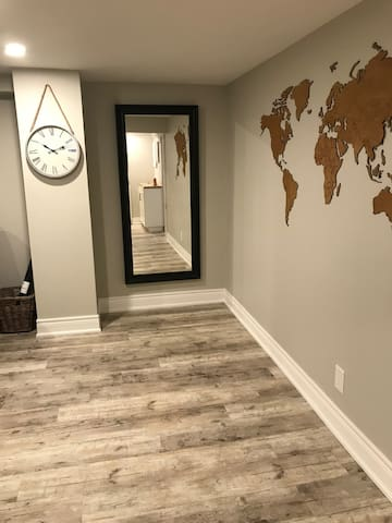 Newly Renovated, Heart of NOTL, Steps from JTriggs