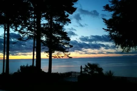 Beautiful Private Cabin With Continental Breakfast - Halfmoon Bay