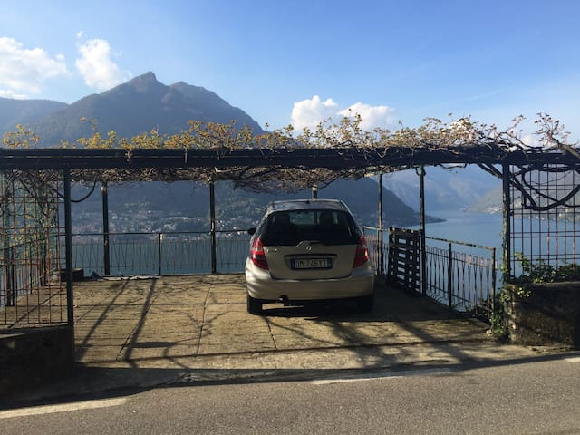 Tiziana's villa with car park and garden! - FAGGETO LARIO - Villa
