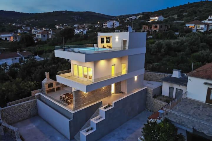 Villa Adastra - newly constructed villa near beach