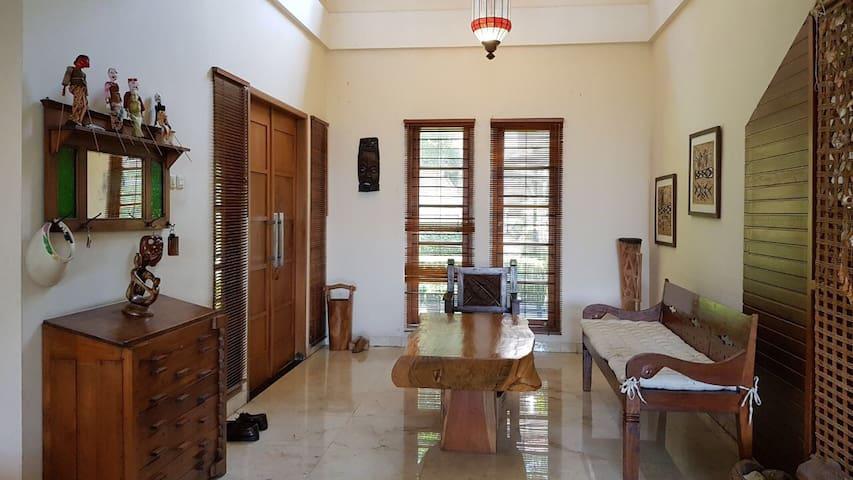 Airy floor up to 5 guests in dago pakar
