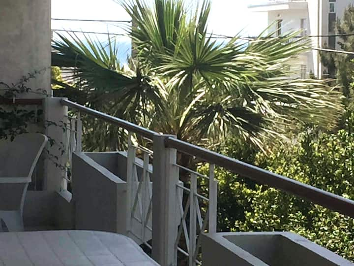 Luxury Spacious Apartment near Alimos Marina !
