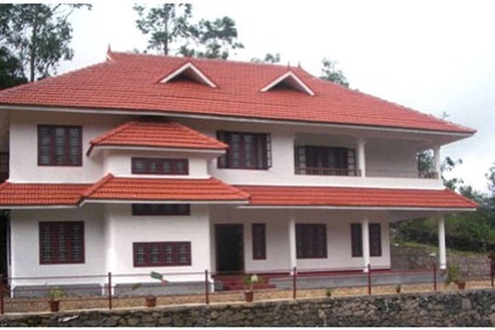 Entire Home- Matagi Mundax Yoga retreat - Idukki - Rumah