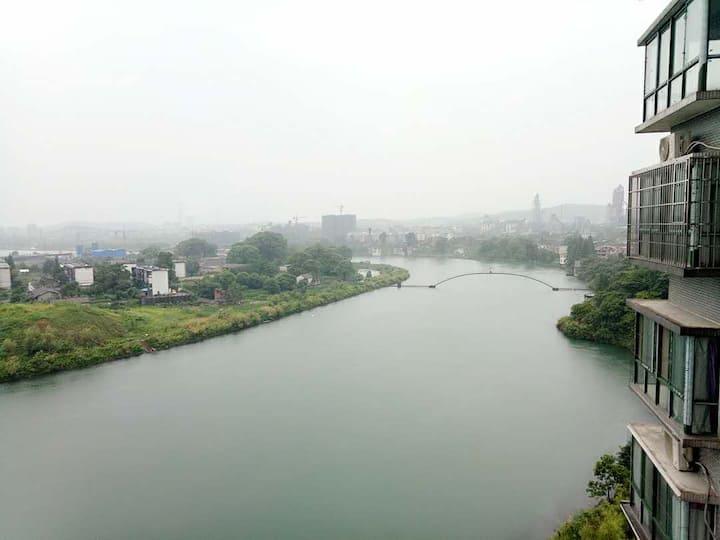 [晨雾]东江湖全江景实用套房,小团队优选,紧连东江湖、雾漫小东江、高椅岭、仰天湖大草原、回龙山