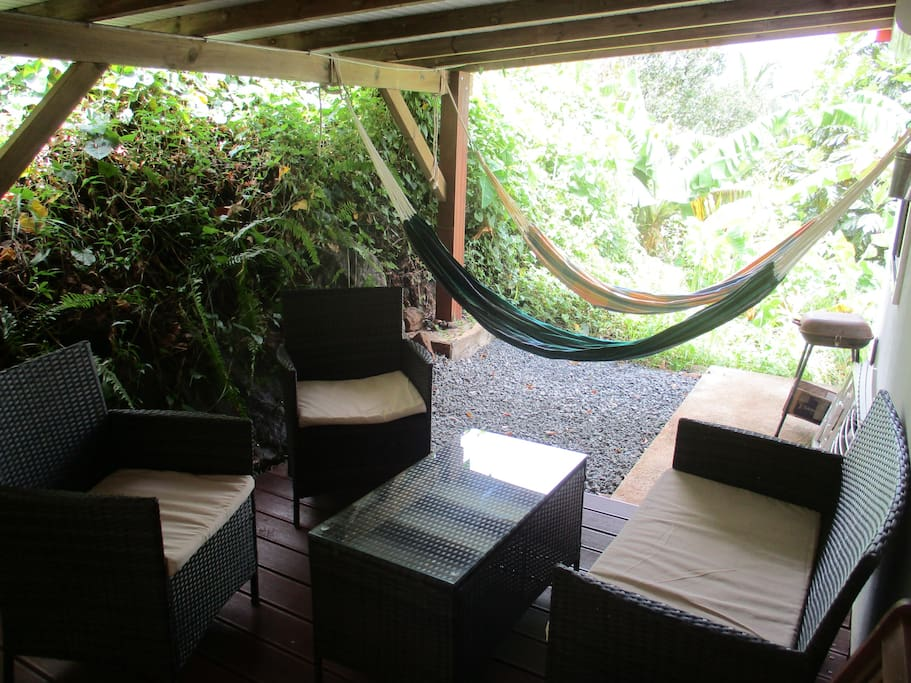 Terrasse et hamacs