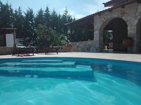 KAVALA VIlla s bazenom u Žigosu Kavalas