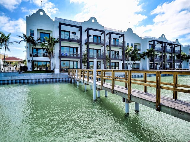 Brightwater Blue Unit 152-3 New Luxury Townhouse With Harbor Views 23071
