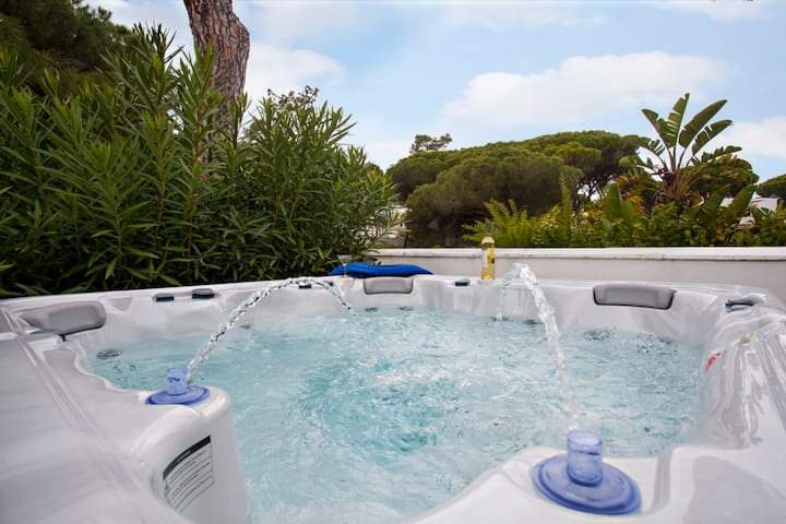Villa 500m from the beach with private Hot tub/SPA