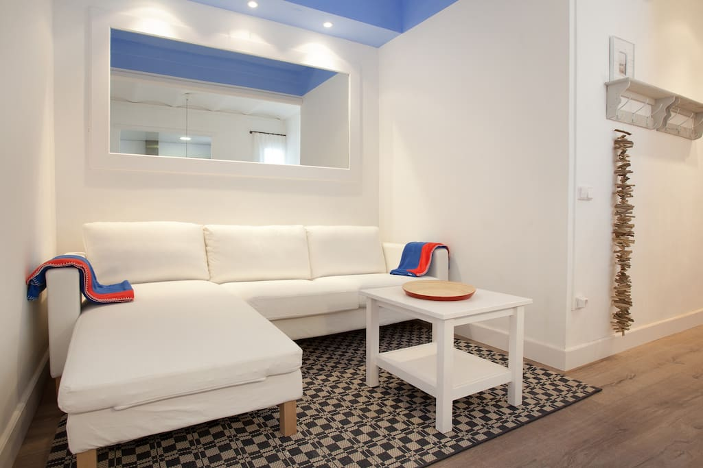 Two Bedroom Apartment Near The Beach Apartments For Rent In Barcelona Catalunya Spain