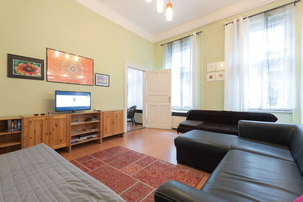 FREE high speed WIFI, international cable TV and space to spread out