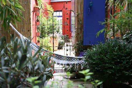 Chambre côté cour