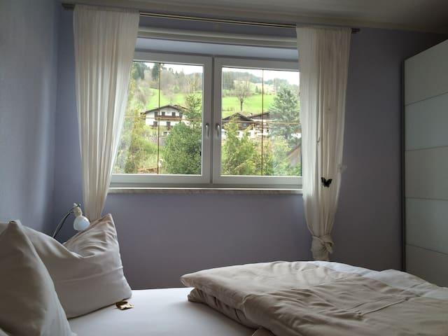 """Sehr gemütliche Ferienwohnung """"Meike"""" mit Terrasse - Brixen im Thale - Osakehuoneisto"""