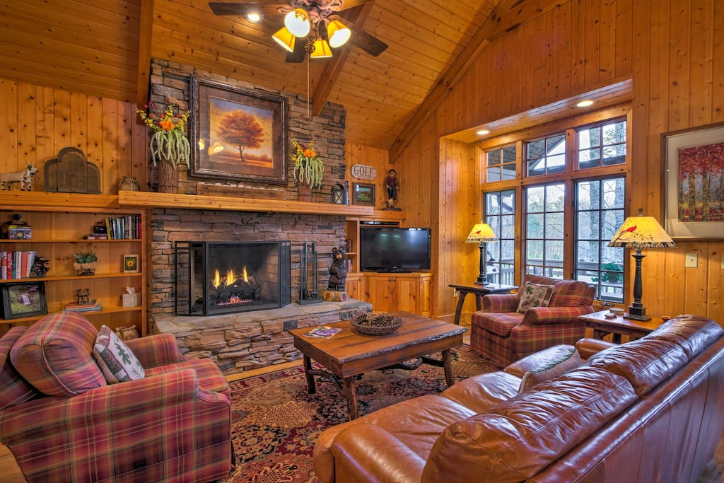 Located in the Trillium Lake & Links Club, you'll have access to amenities!