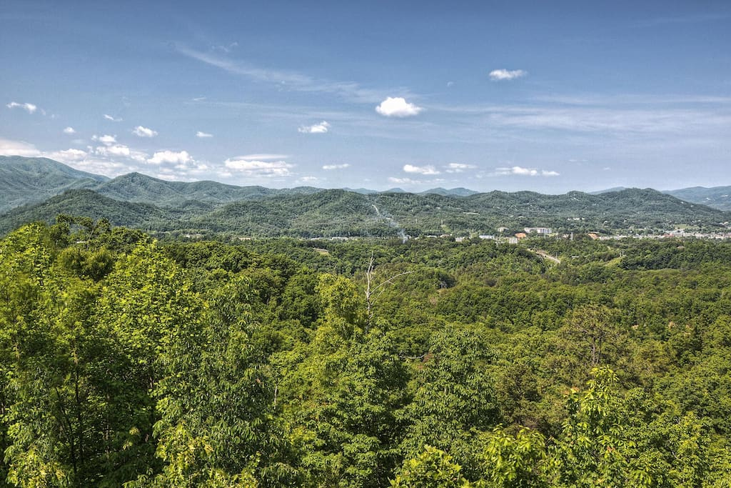 Beautiful view of Bluff Mountain and the city of  Pigeon Forge